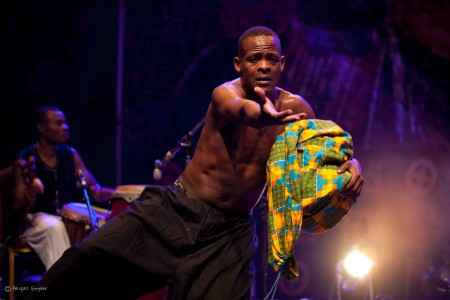 A performer with Liza Kamikazi from Rwanda at Sauti za Busara (2015) in Zanzibar. Photo: Abigail Snyder