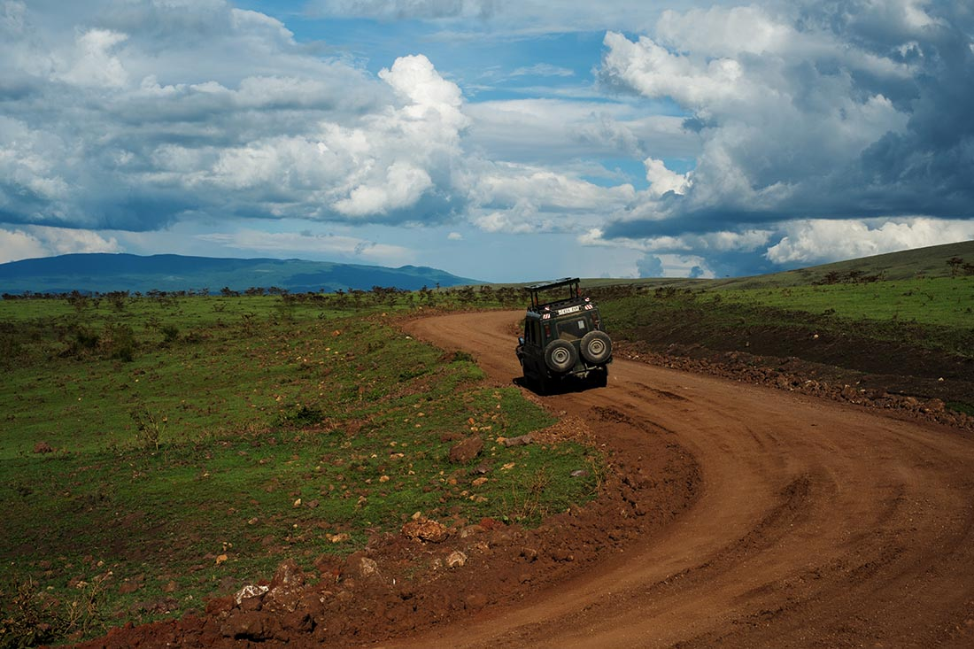 A Tanzanian safari vehicle in Serengeti National Park. Photo: Daniel Hayduk