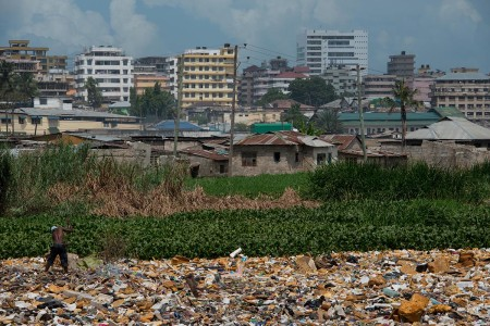 Trash in Dar es Salaam. Photo: Daniel Hayduk