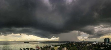 Rain storm south of Dar earlier this year. Photo: Dan Hartwright